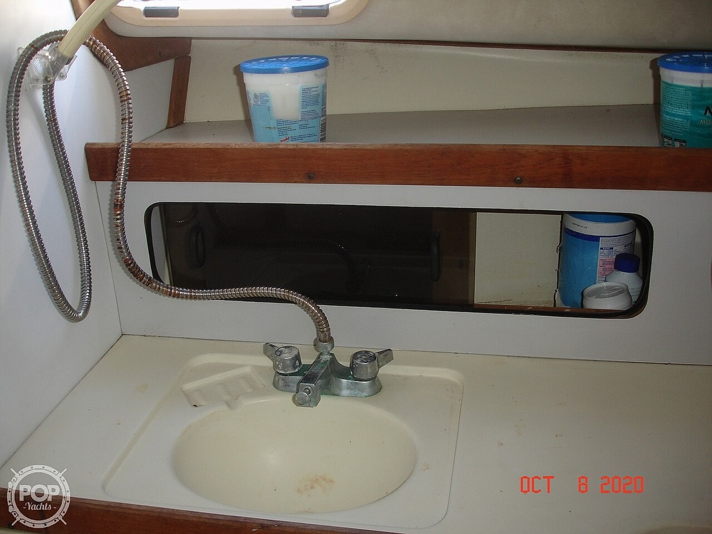 1989 Black Watch boat for sale, model of the boat is 26 & Image # 36 of 40