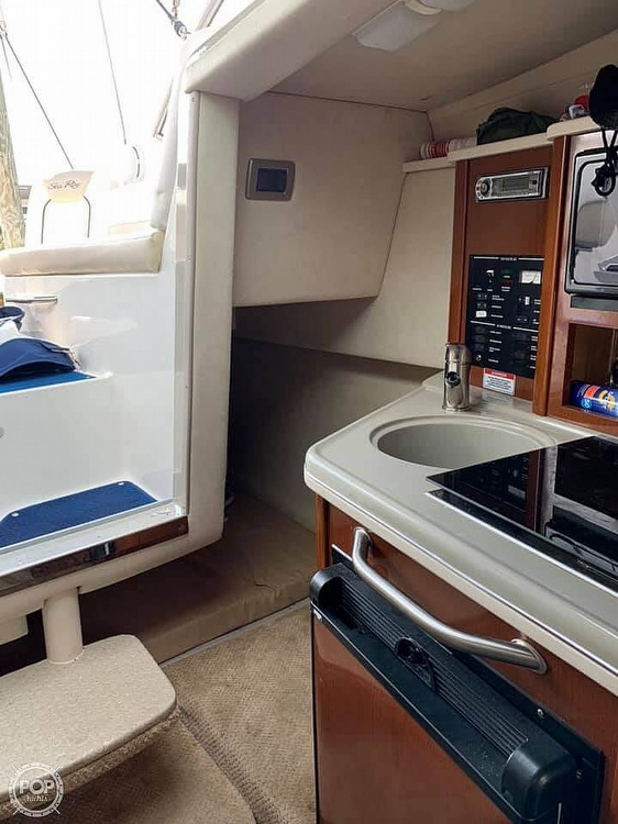 2010 Sea Ray boat for sale, model of the boat is 240 Sundancer & Image # 4 of 40