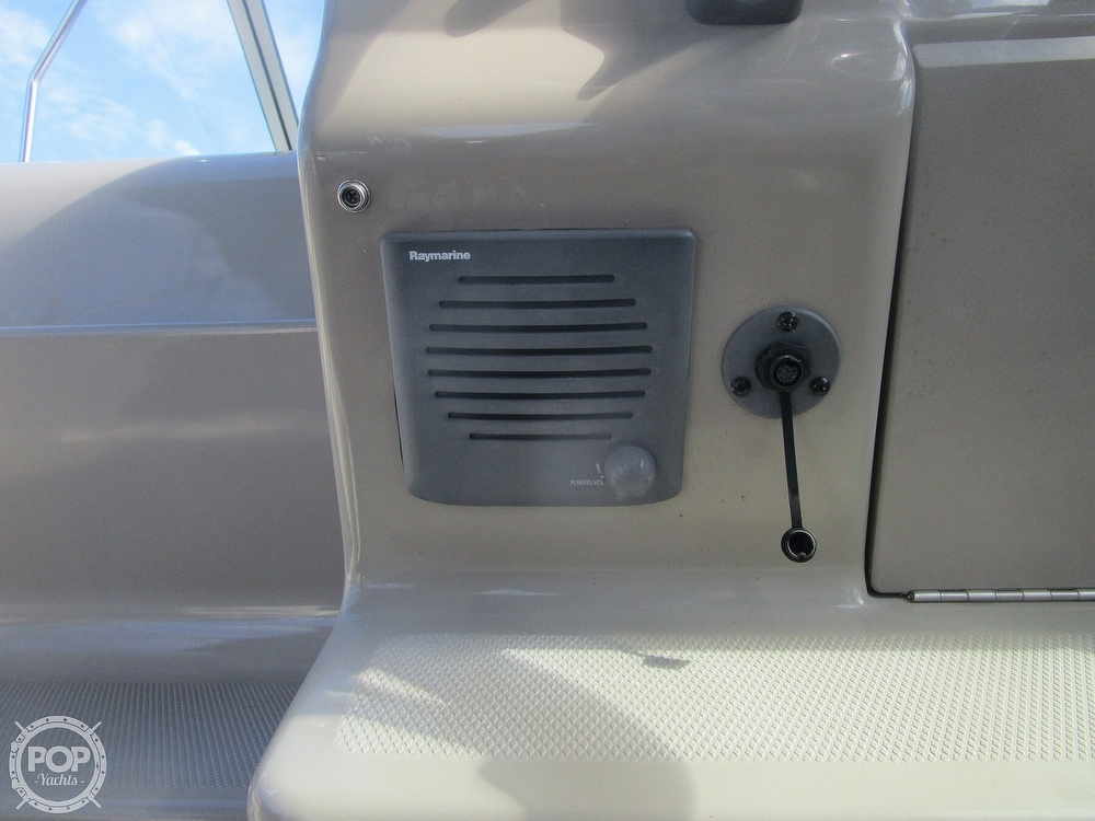 2010 Sea Ray boat for sale, model of the boat is 240 Sundancer & Image # 30 of 40