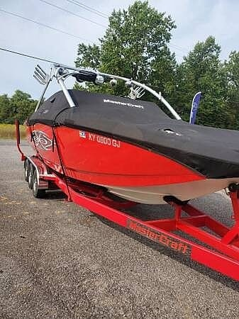 2004 Mastercraft boat for sale, model of the boat is X-80 & Image # 8 of 10