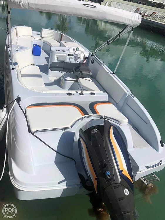 1996 Bayliner boat for sale, model of the boat is 2609 Rendezvous & Image # 6 of 40