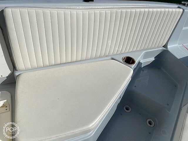 1996 Bayliner boat for sale, model of the boat is 2609 Rendezvous & Image # 12 of 40