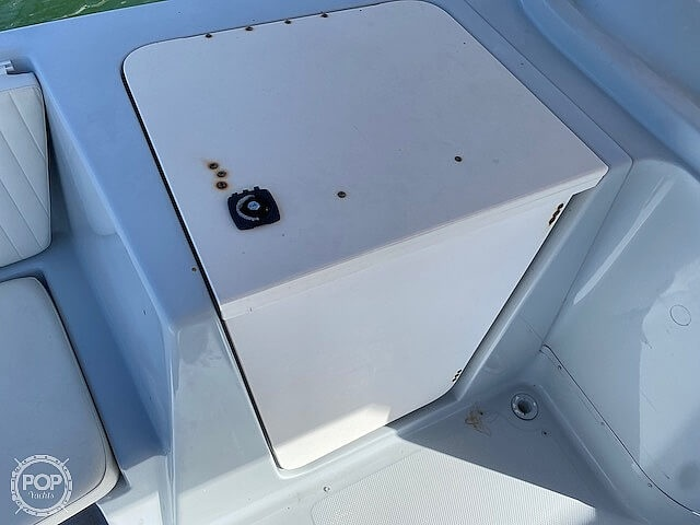 1996 Bayliner boat for sale, model of the boat is 2609 Rendezvous & Image # 16 of 40