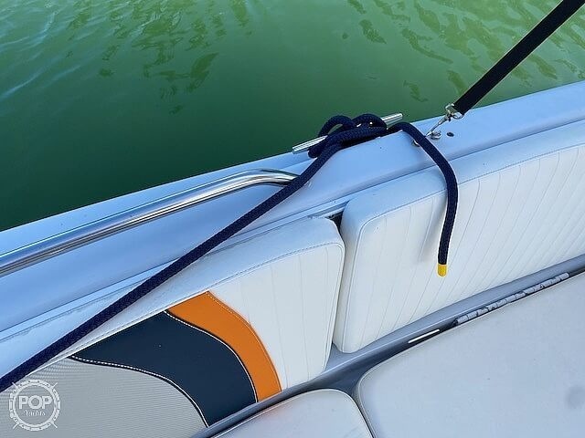 1996 Bayliner boat for sale, model of the boat is 2609 Rendezvous & Image # 18 of 40