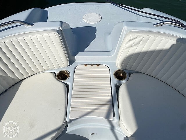 1996 Bayliner boat for sale, model of the boat is 2609 Rendezvous & Image # 19 of 40