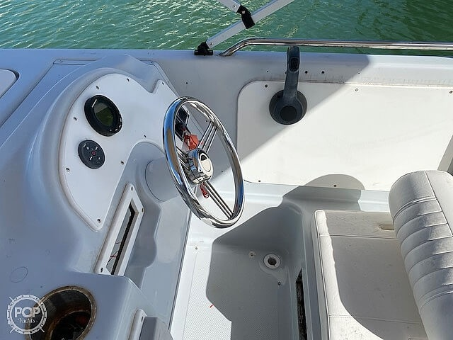 1996 Bayliner boat for sale, model of the boat is 2609 Rendezvous & Image # 23 of 40