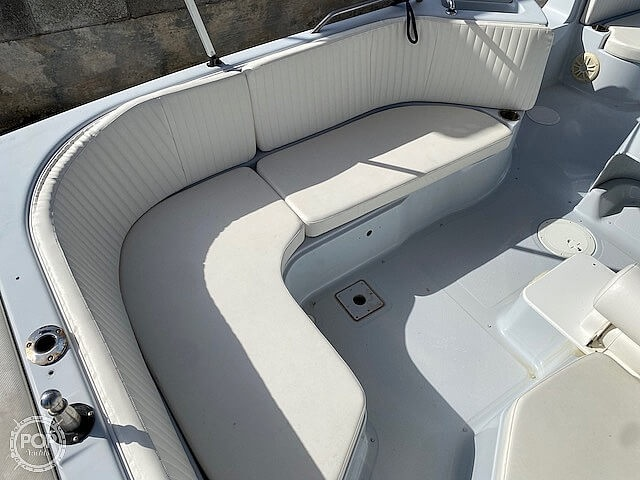 1996 Bayliner boat for sale, model of the boat is 2609 Rendezvous & Image # 3 of 40