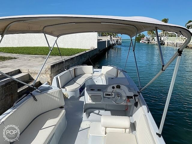 1996 Bayliner boat for sale, model of the boat is 2609 Rendezvous & Image # 25 of 40
