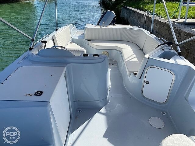 1996 Bayliner boat for sale, model of the boat is 2609 Rendezvous & Image # 29 of 40