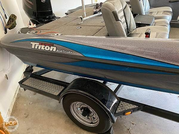 2014 Triton boat for sale, model of the boat is 17 Pro & Image # 2 of 40