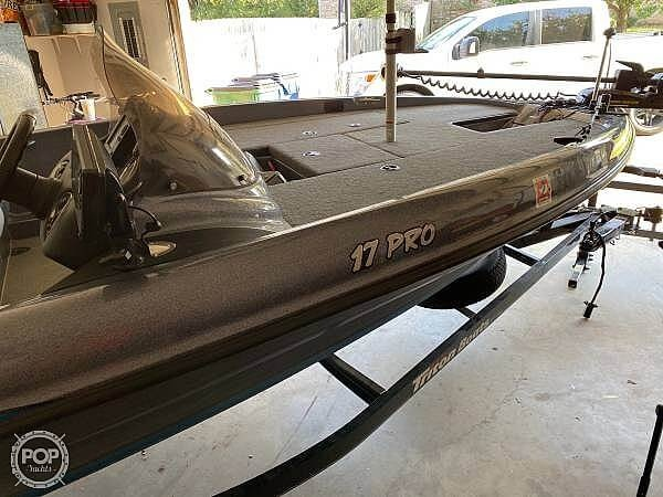 2014 Triton boat for sale, model of the boat is 17 Pro & Image # 3 of 40