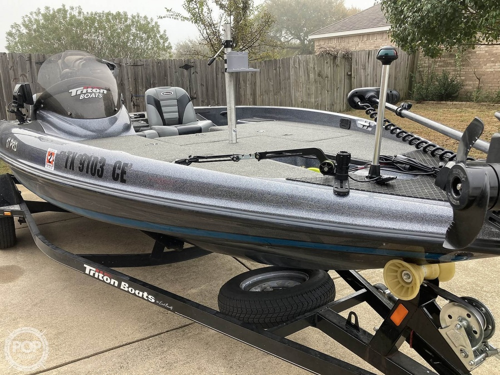 2014 Triton boat for sale, model of the boat is 17 Pro & Image # 16 of 40