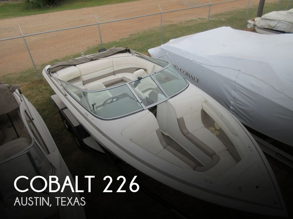 2000 Cobalt boat for sale, model of the boat is 226 & Image # 1 of 40