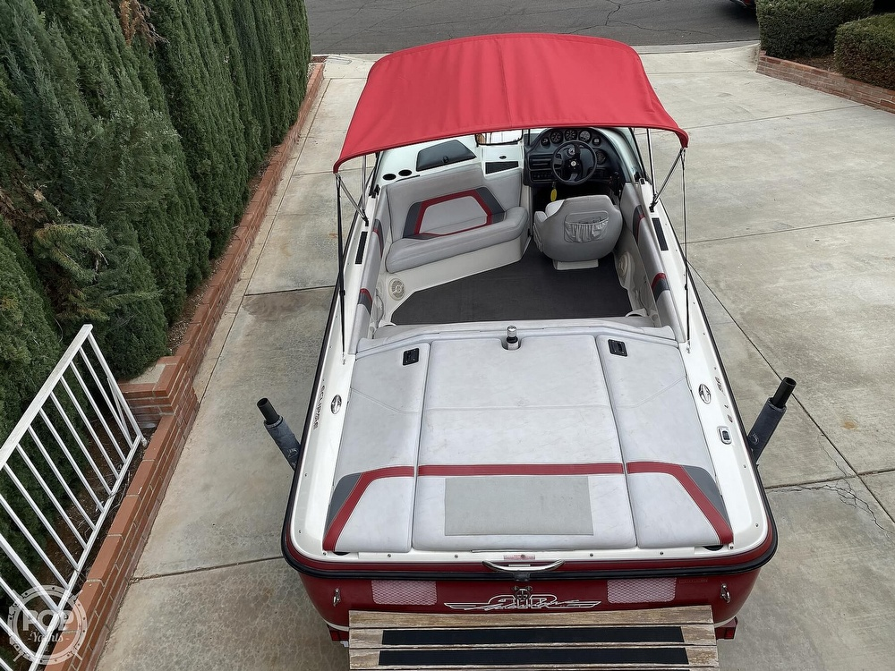 2000 Centurion boat for sale, model of the boat is Eclipse Air Warrior & Image # 4 of 40