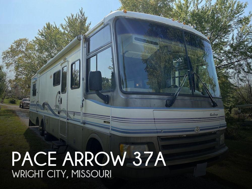 1998 Fleetwood Pace Arrow 37A