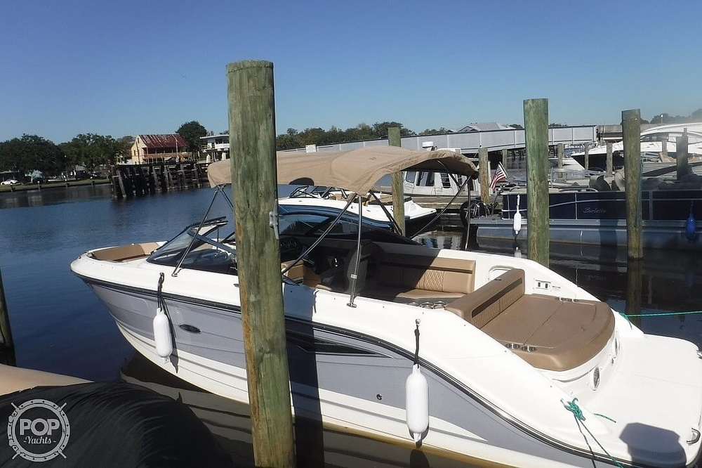 2017 Sea Ray boat for sale, model of the boat is SLX 250 & Image # 7 of 40