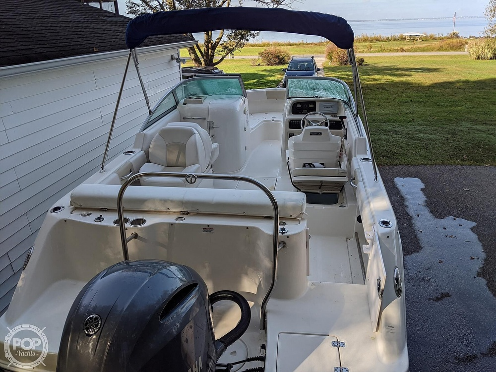 2015 Robalo boat for sale, model of the boat is R 227 & Image # 7 of 40