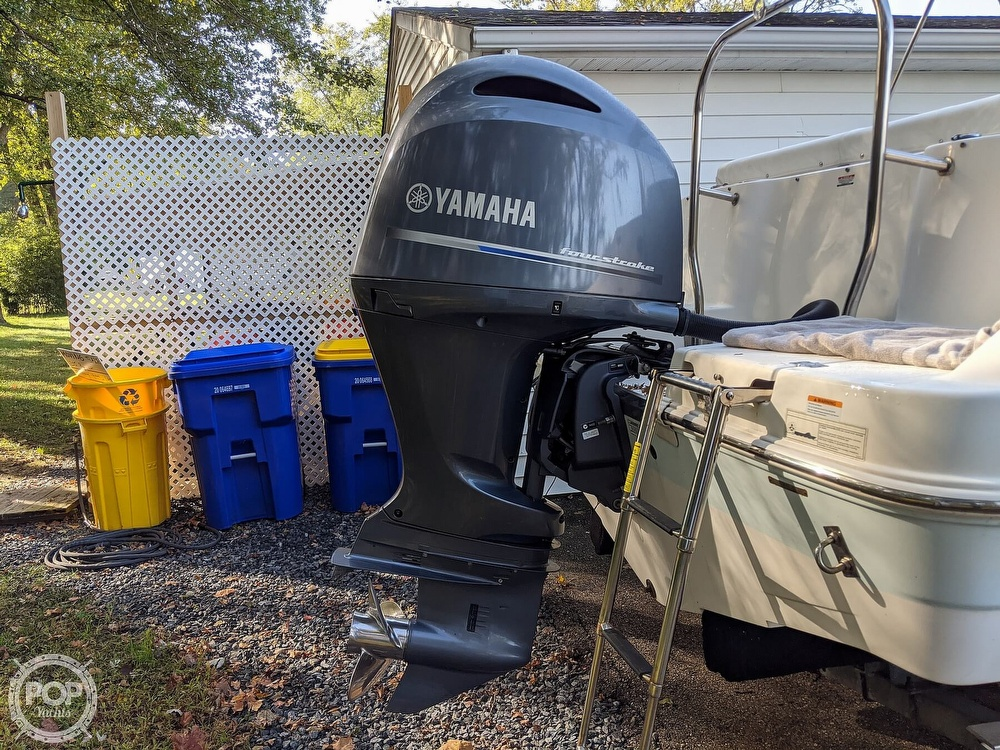 2015 Robalo boat for sale, model of the boat is R 227 & Image # 36 of 40