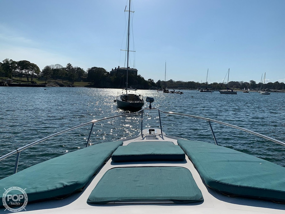 1997 Sea Ray boat for sale, model of the boat is 270 Sundancer & Image # 12 of 40