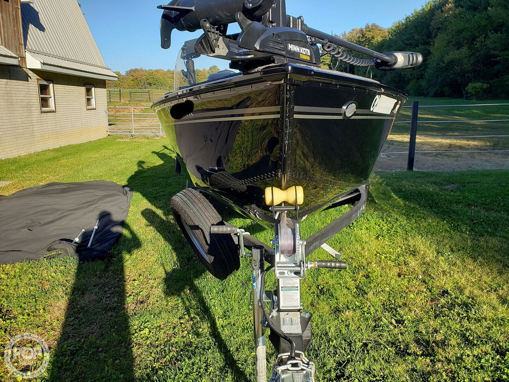 2019 Lund boat for sale, model of the boat is Adventure 1775 SS & Image # 23 of 40