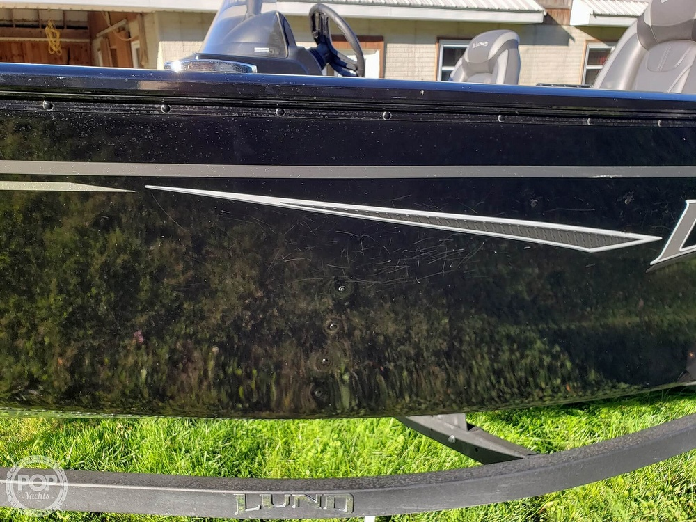 2019 Lund boat for sale, model of the boat is Adventure 1775 SS & Image # 9 of 40