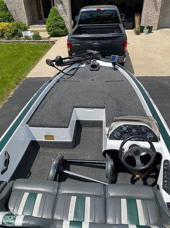 1997 Champion boat for sale, model of the boat is 186SC Tournament Series & Image # 5 of 16