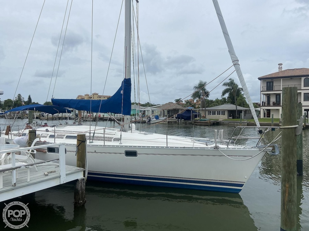 1992 Beneteau boat for sale, model of the boat is 445 & Image # 3 of 40
