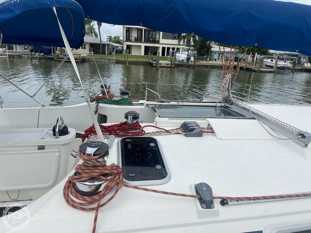 1992 Beneteau boat for sale, model of the boat is 445 & Image # 10 of 40