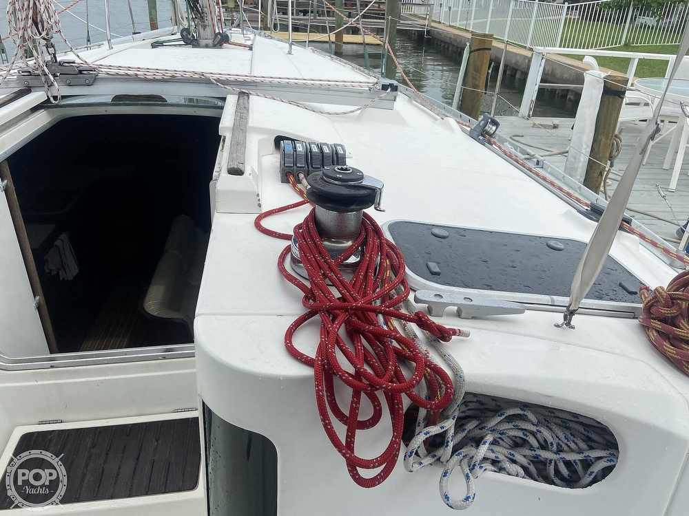 1992 Beneteau boat for sale, model of the boat is 445 & Image # 29 of 40