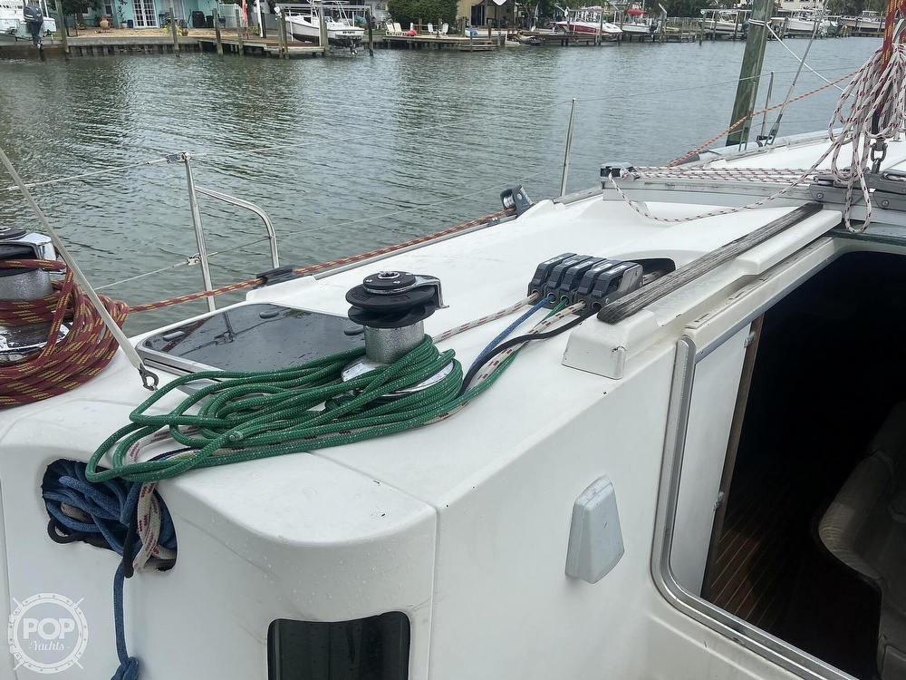 1992 Beneteau boat for sale, model of the boat is 445 & Image # 32 of 40