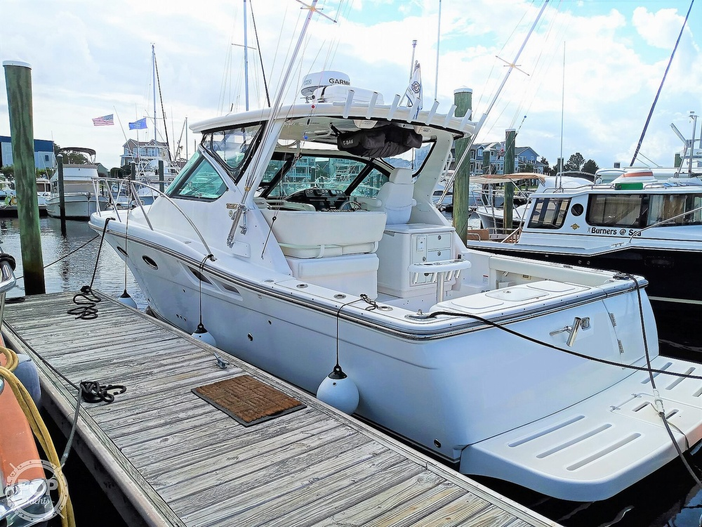 2005 Tiara Yachts boat for sale, model of the boat is 3200 Open & Image # 6 of 40