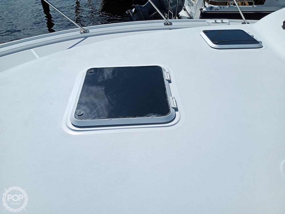 2005 Tiara Yachts boat for sale, model of the boat is 3200 Open & Image # 19 of 40