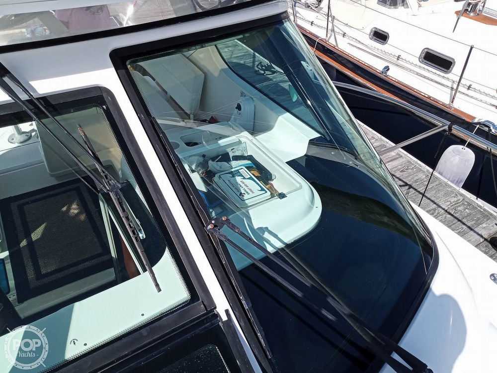 2005 Tiara Yachts boat for sale, model of the boat is 3200 Open & Image # 33 of 40