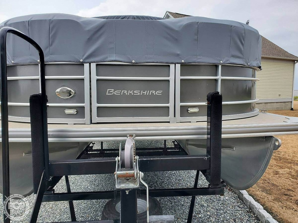 2018 Berkshire Pontoons boat for sale, model of the boat is CTS & Image # 4 of 40