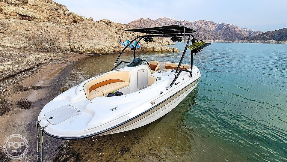 1997 Chaparral boat for sale, model of the boat is Sunesta 210 Limited Edition & Image # 2 of 40