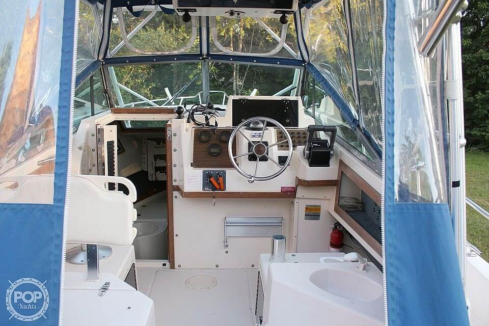 1991 Grady-White boat for sale, model of the boat is Dolphin 25 & Image # 2 of 26