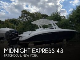 2016 Midnight Express 43 Center Console