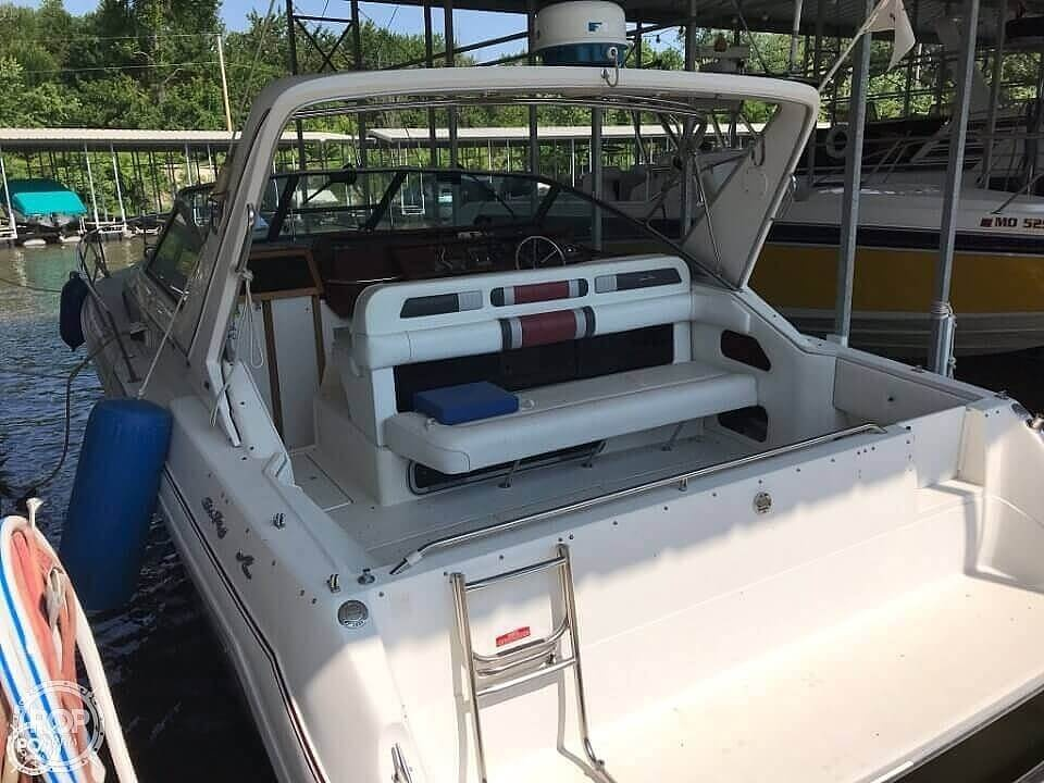 1990 Sea Ray boat for sale, model of the boat is 310 Sundancer & Image # 15 of 20