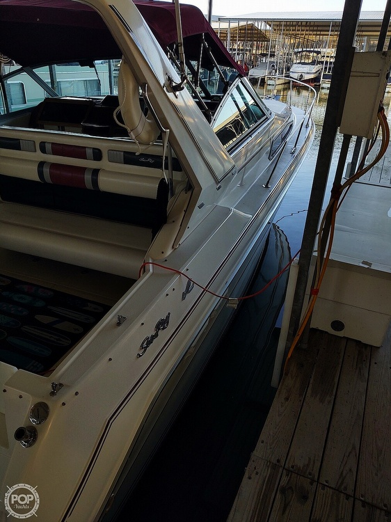 1990 Sea Ray boat for sale, model of the boat is 310 Sundancer & Image # 17 of 20