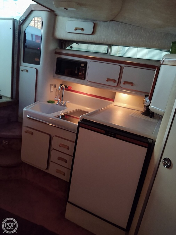 1990 Sea Ray boat for sale, model of the boat is 310 Sundancer & Image # 4 of 20