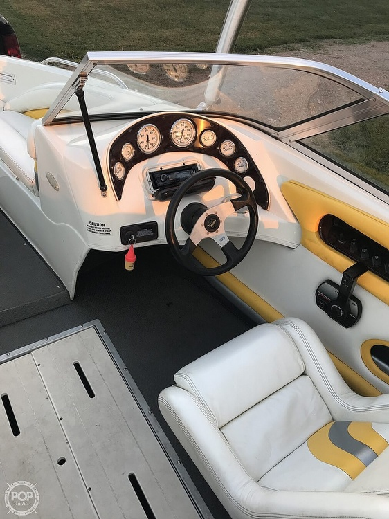 2001 VIP boat for sale, model of the boat is 1996 LTD Valiant & Image # 5 of 14