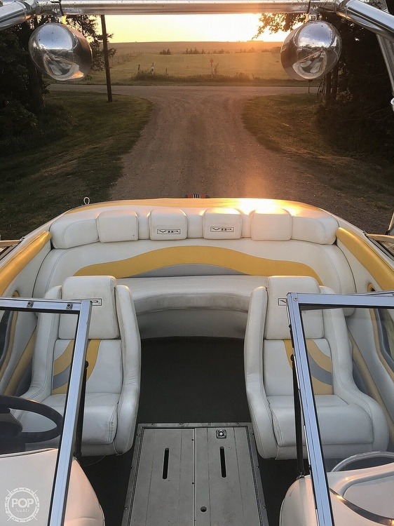 2001 VIP boat for sale, model of the boat is 1996 LTD Valiant & Image # 7 of 14