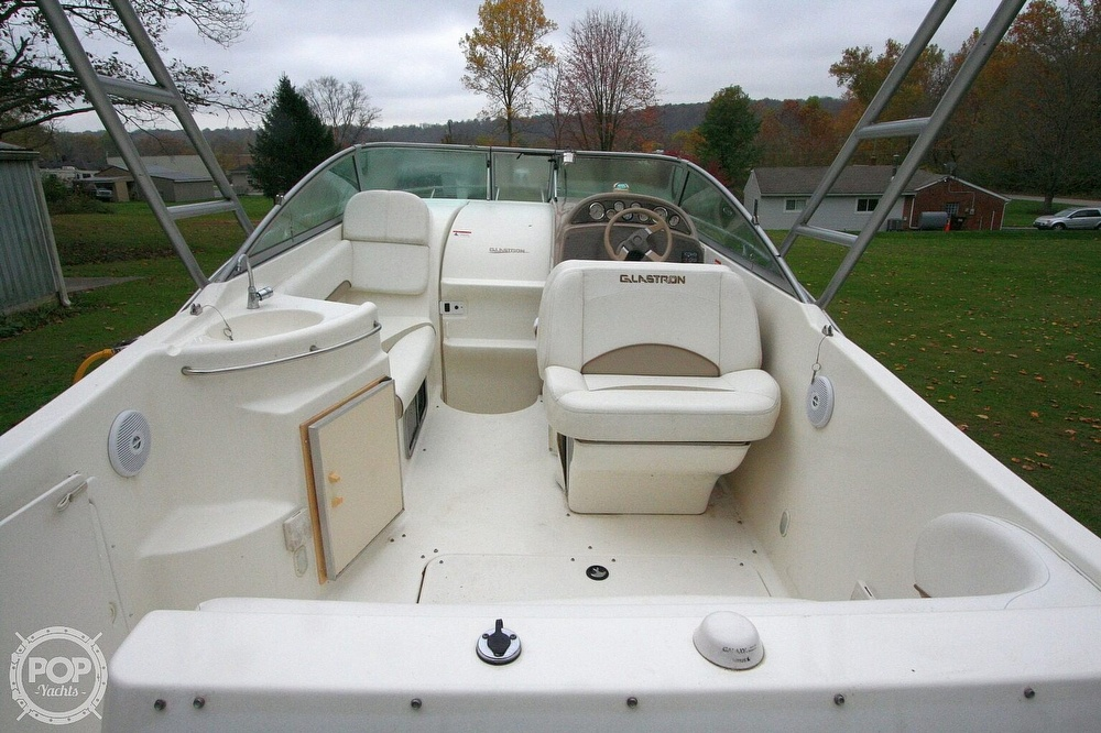 2004 Glastron boat for sale, model of the boat is GS279 & Image # 2 of 40