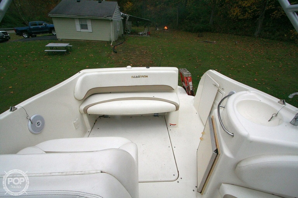 2004 Glastron boat for sale, model of the boat is GS279 & Image # 23 of 40