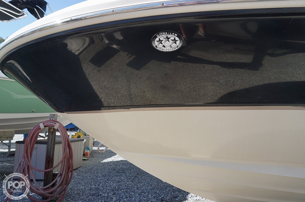 2004 Sea Ray boat for sale, model of the boat is 240 Sundeck & Image # 11 of 40