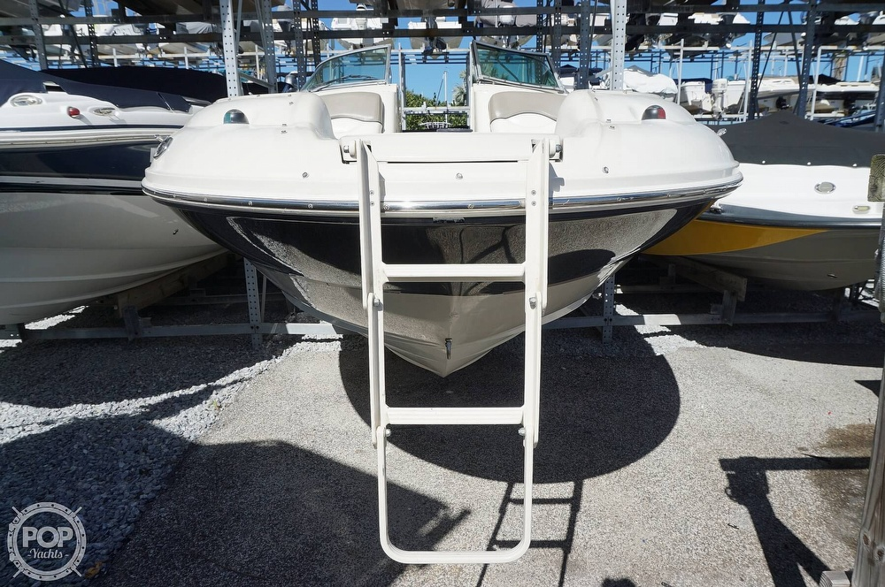 2004 Sea Ray boat for sale, model of the boat is 240 Sundeck & Image # 20 of 40