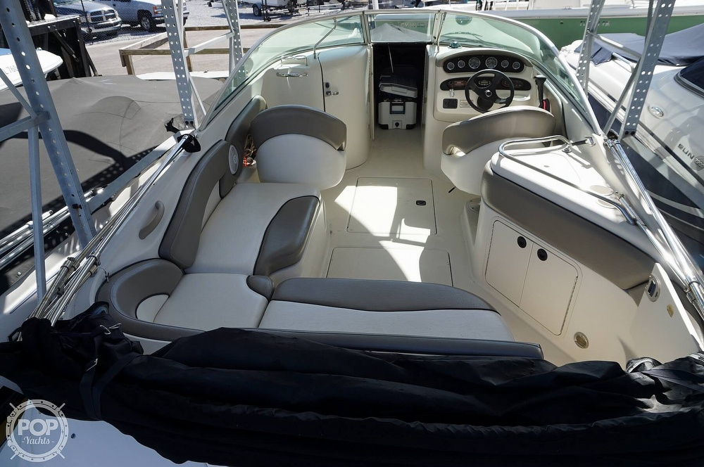 2004 Sea Ray boat for sale, model of the boat is 240 Sundeck & Image # 28 of 40