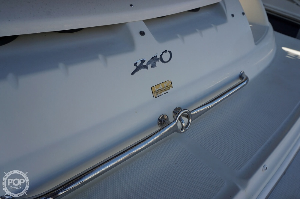 2004 Sea Ray boat for sale, model of the boat is 240 Sundeck & Image # 37 of 40