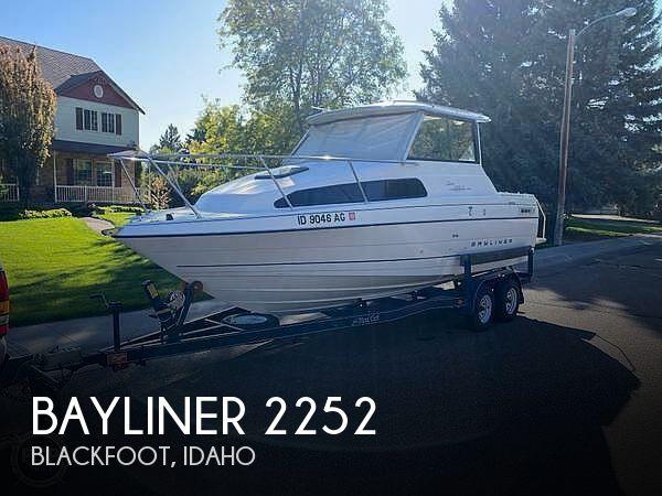 Used Bayliner 22 Boats For Sale by owner | 1997 Bayliner Ciera Express 2252