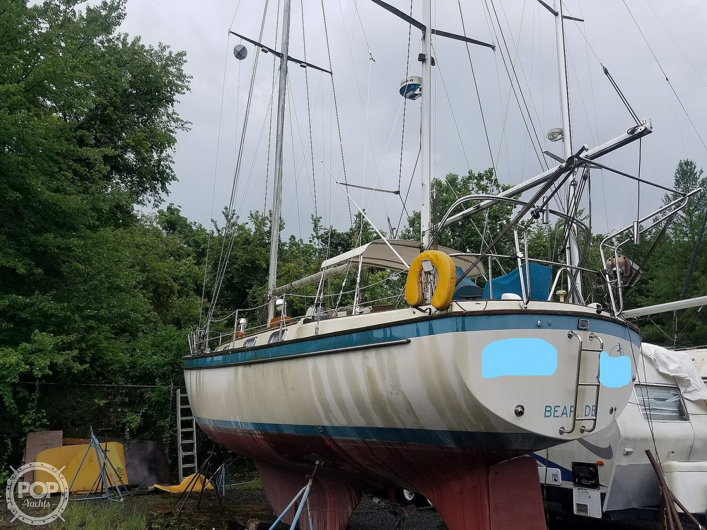 1980 Pearson boat for sale, model of the boat is 424 & Image # 4 of 40